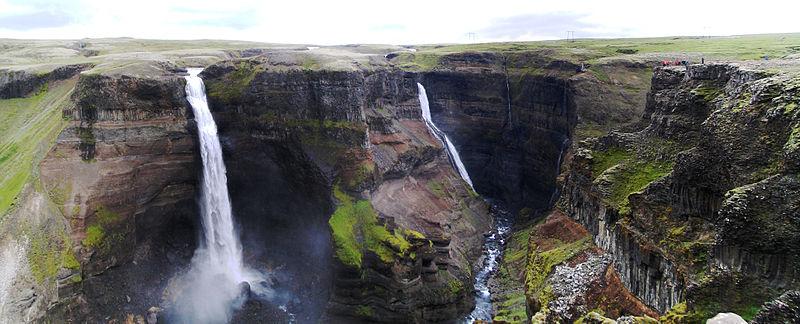 800px-Iceland Haifoss Waterfall Panorama 2005-08-03